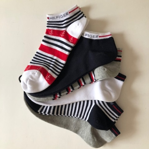 TOMMY HILFIGER WOMEN NO SHOW 3 PAIRS SOCKS NEW WITH TAG